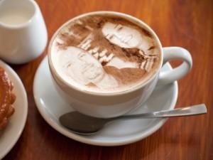 Caffe des Amis Capuucino Kunst